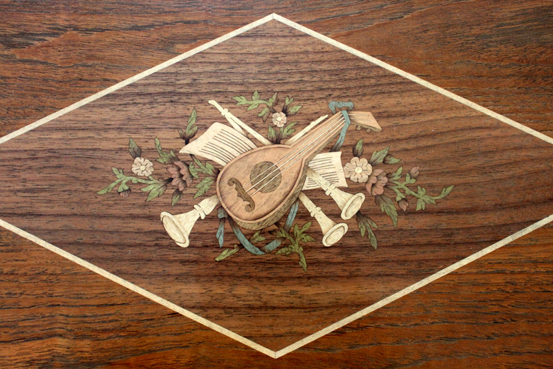 Marquetry on lid